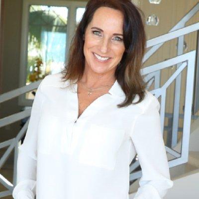 Deborah Naone Headshot