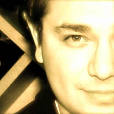 Johnny Arreola Headshot
