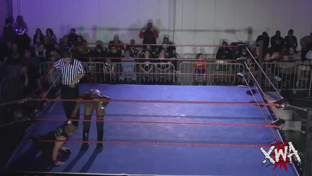 Amazing Red vs Shane Strickland
