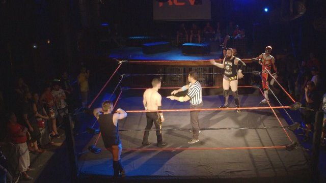 Alin Hawk & Danny Evans vs Mike Martínez & Gravity ZERO