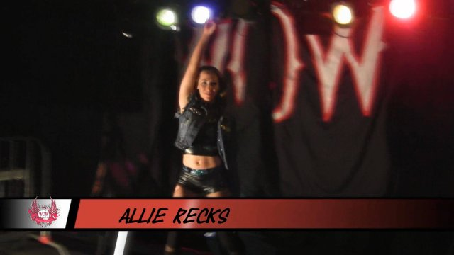 WOW - Allie Recks vs KC Spinelli