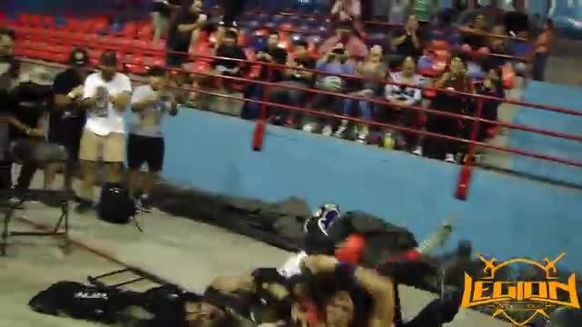 Jay Jay Jocker y Masoquista E. VS Sirc y Cobra