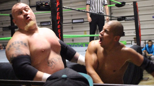 10/08/16 - Ox Hogg Vs Lucha Underground Star Cortez Castro