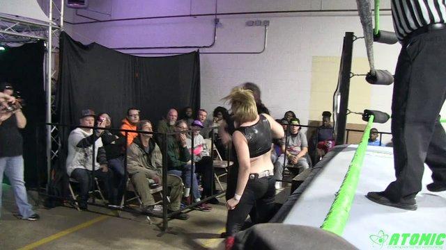 11/09/19 Layna Lennox (C) Vs Kaci Dillion - Rogue Women Warriors World Title Match