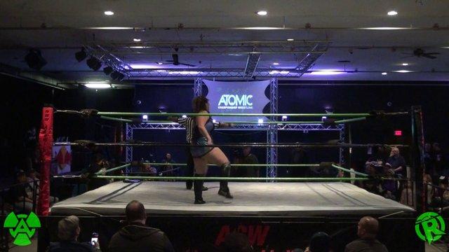12/28/19 (C) Layna Lennox vs Tess Valentine - Rogue World Title Match