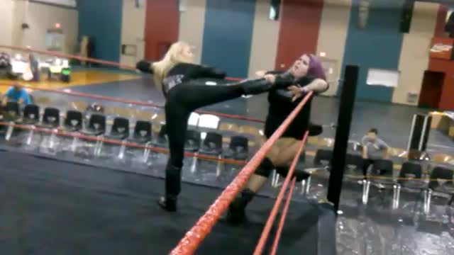 Amber O'neal vs Kathy Owens Beatdown!