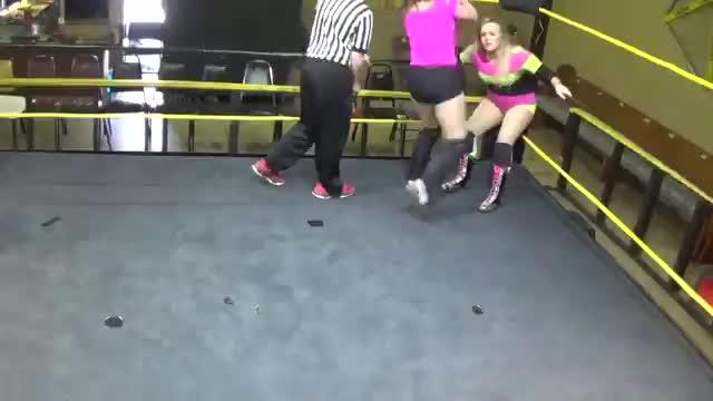 Paris Kelly vs DIana Taylor