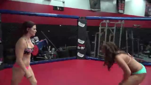 Allie Parker vs Sarah Brooke