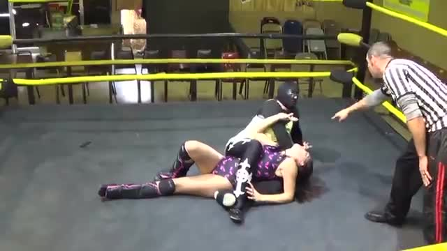 Arkansas Terror vs Nikki Lane