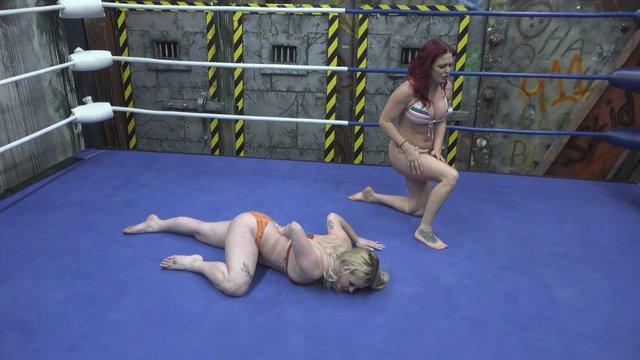 Sarah Brooke vs Aria Blake