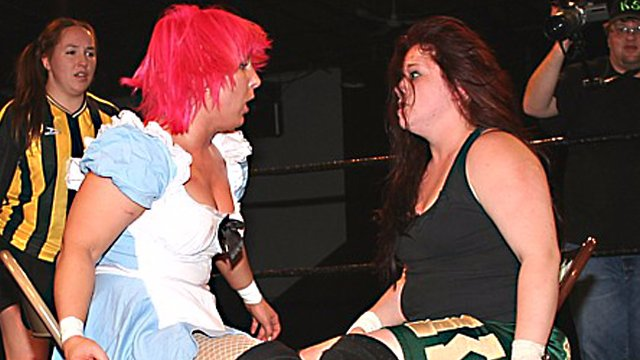 No Holds Barred :LuFisto Vs Mickie Knuckle
