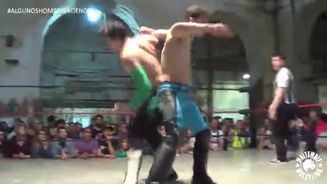 A-Kid vs Adam Chase vs Orión - Triple W Championship - Algunos Hombres Buenos