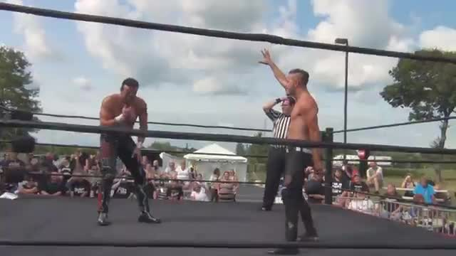 Buff Bagwell vs Ames