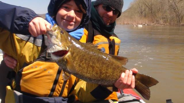 Rising River Spots for Prespawn Smallmouth