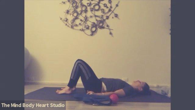 Good Night Flow (yoga strap & spikey ball)