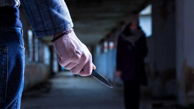 Surviving the Blade: Defense Against Rapid Knife Attacks