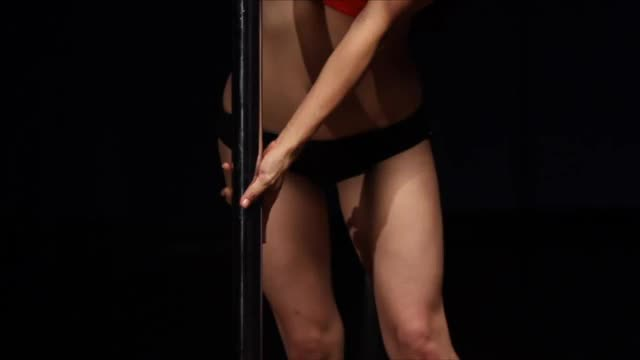Classic Pole w/Jen: Cradle Spin