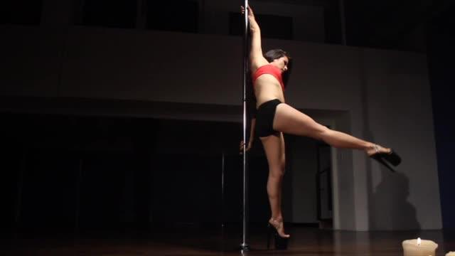 Classic Pole w/Jen: Low Hand Pirouette Spin
