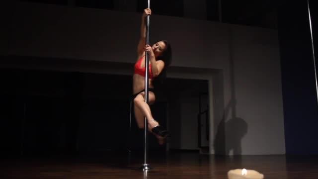 Classic Pole w/Jen: Back Hook Spin
