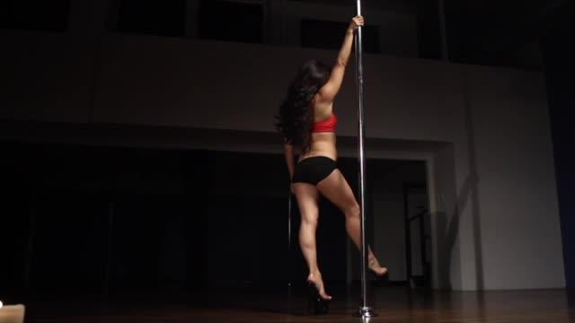 Classic Pole w/Jen: Low Hand Pirouette