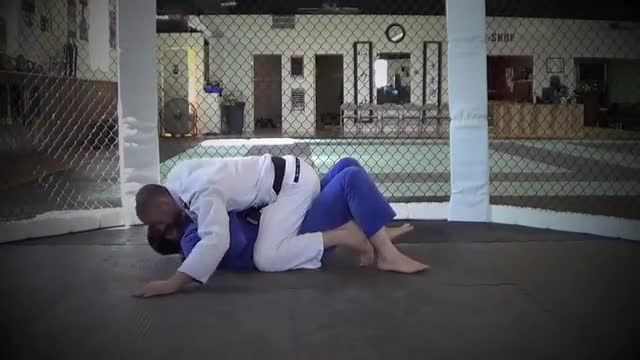 BJJ Ronin Berimbolo from Mount Position