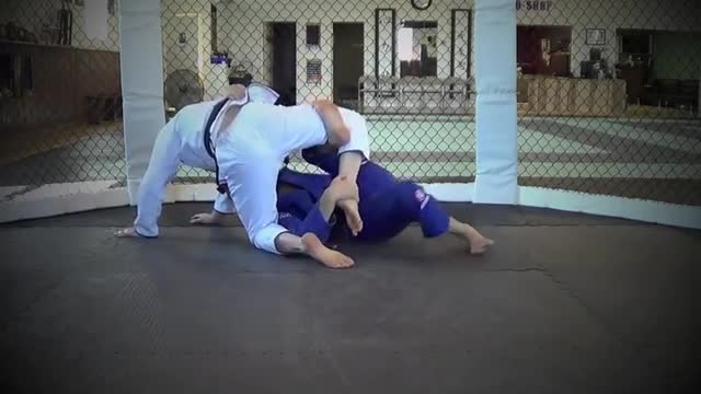 BJJ Ronin Inside Bear Trap from Half Guard