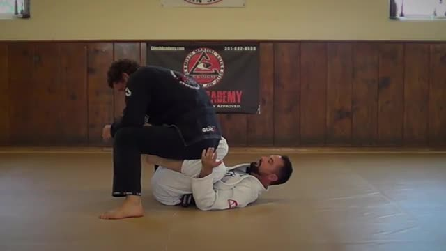 BJJ Technique #111 De La Riva Sweeps