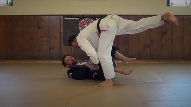 BJJ Technique #105 X Pass from De La Riva