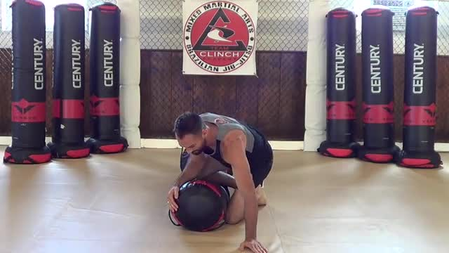 Bag Drills / Knee on belly to mount