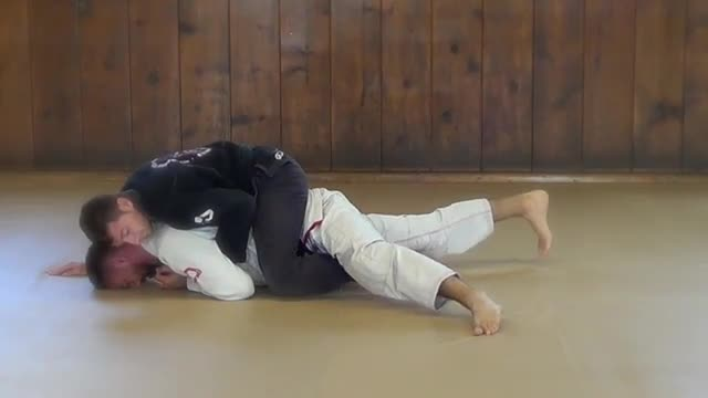 BJJ Technique # 121 Back Mount Knee Cut Escape