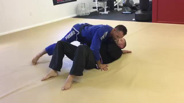 Top Knee Bar from Knee on Belly (Technique #139)