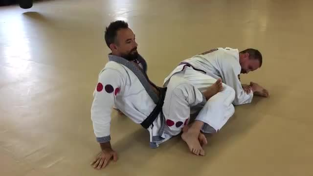 Bottom Side Knee Bar to Clover Leaf, Push Pull Escape (Technique #138) & Calf Slicer