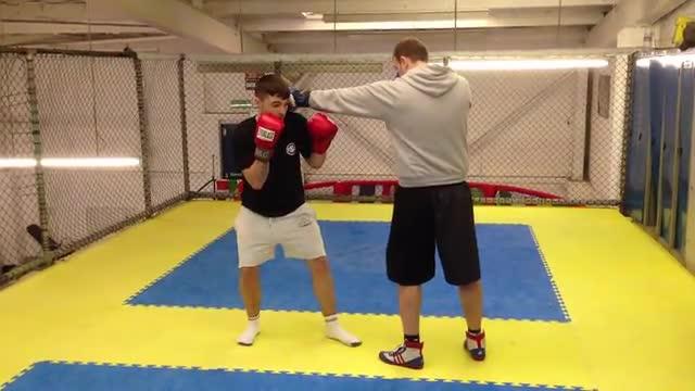 Jab VS Slip > Right Hand Punch