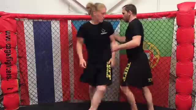 Overhook Escape  Against The Cage