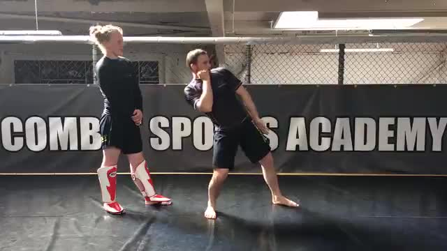 Lean Back Vs Head Kick
