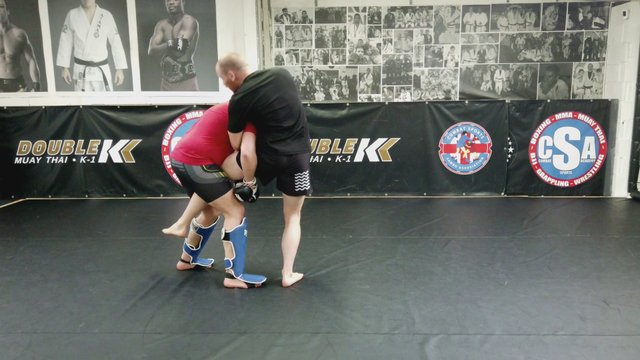 Head Inside Single Legs > Countering The Single Leg > Catching The Hip Vs Counter