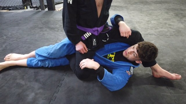 Deep Half Guard Pass > Deep Half Guard Sweep [Gi/NoGi]
