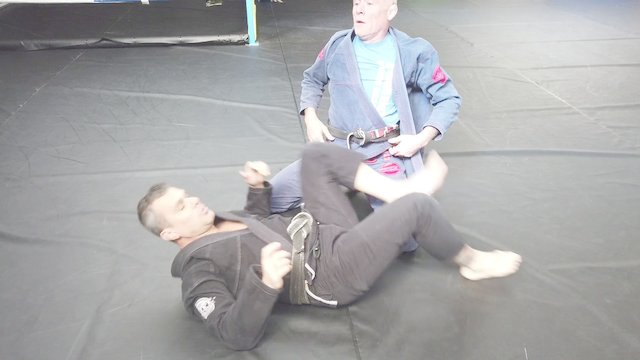 Chokes From Closed Guard