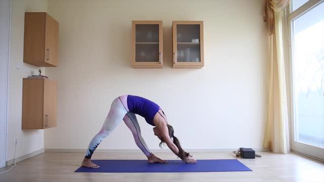 60min Vinyasa Yoga