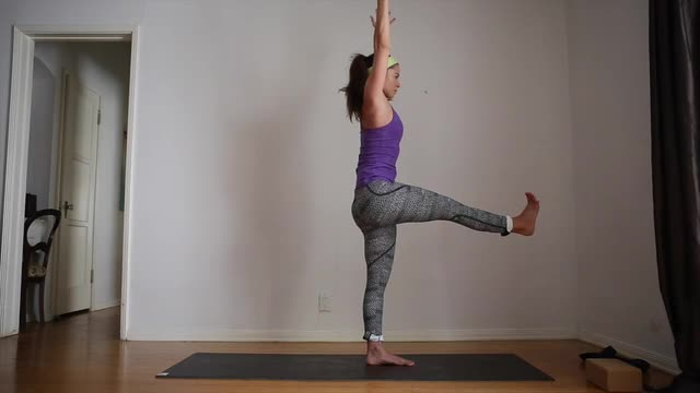 30min Yoga Practice for Balance
