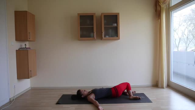 15 Minutes Gentle Morning Yoga
