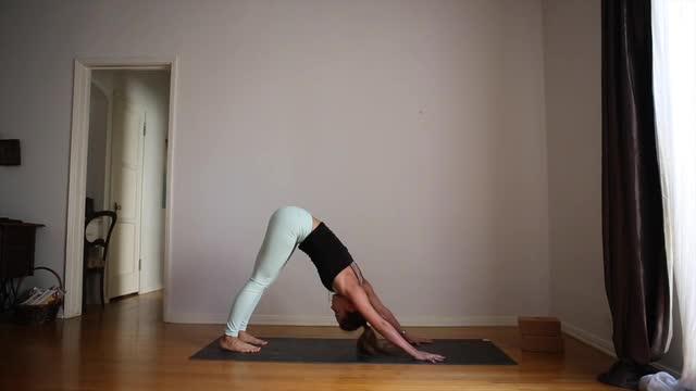 20min Yoga for Tight Legs
