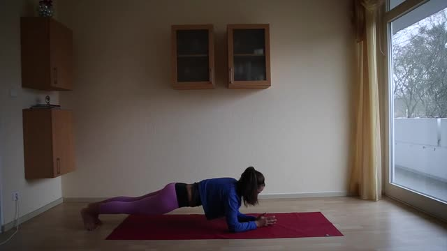 15min Yoga for Upper Body Strength and Felixibility