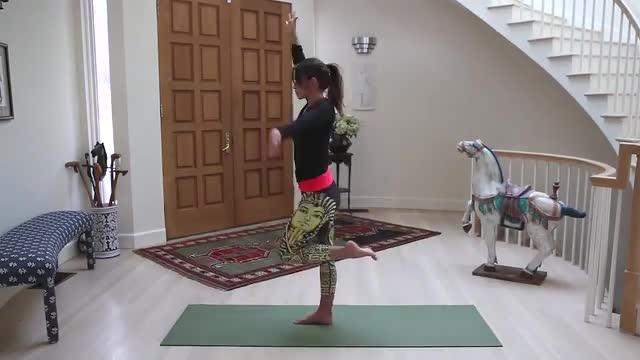 30 Minute Vinyasa Flow for Balance