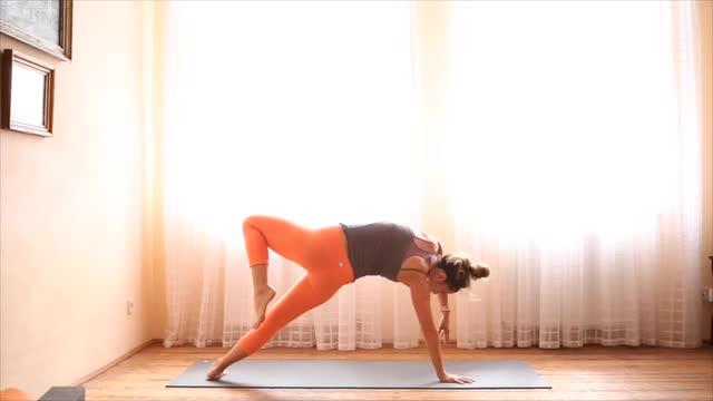 15Min Yoga for a Good Sweat