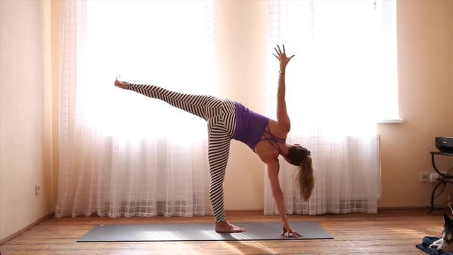 30min Heart Opening Feel Good Yoga