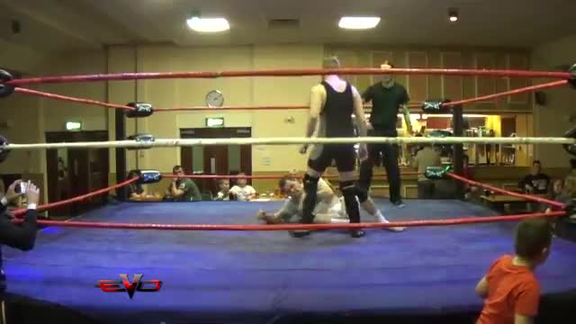 eVo Triple Threat Richards Vs Huntly Vs Lucha DS