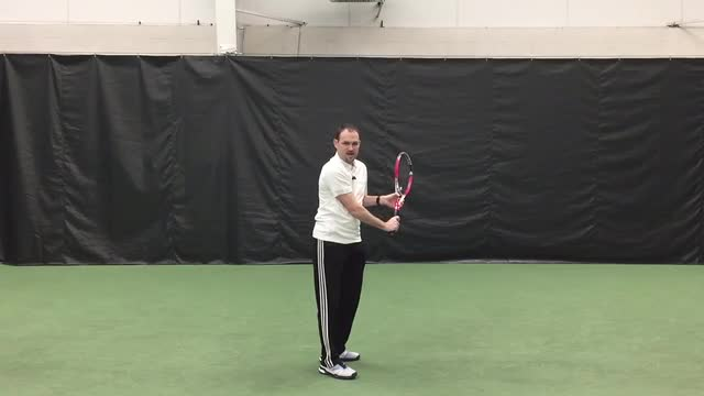 Turn Like Federer On Your One Handed Backhand