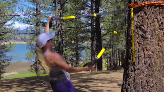 Kaia on the Road - Camping Style -  Camping TRX