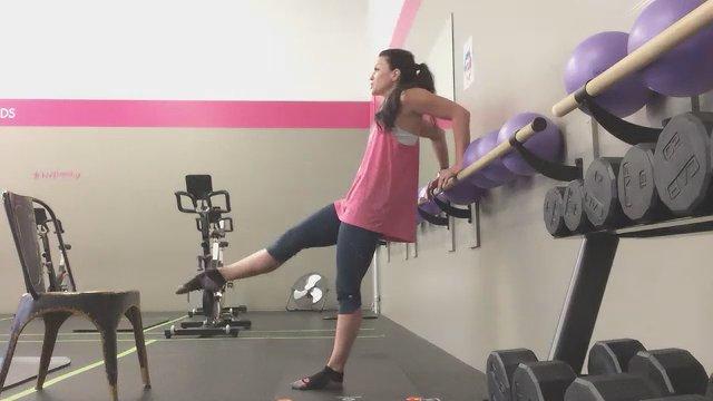 Barre w/ Coach Amber   45 min